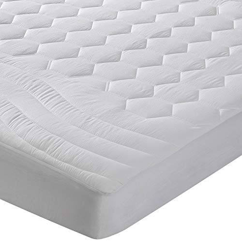 Bedsure Mattress Pad Queen Size Hypoallergenic - Antibacterial, Breathable - very very soft Quilted Mattress Protector, Fitted piece Mattress Cover White
