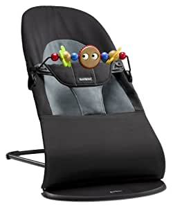 BabyBjörn Balance Soft - Hamaca de algodón en color negro/gris oscuro + juguete de madera