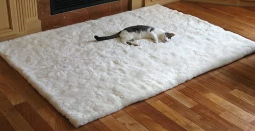 SoftRugs White Sheet Alpaca Area Rug in 4-Feet by 5-Feet 4-Inch Size