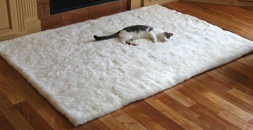 SoftRugs White Sheet Alpaca Area Rug in 4-Feet by 5-Feet 4-Inch (Alpaca Fur Rug)