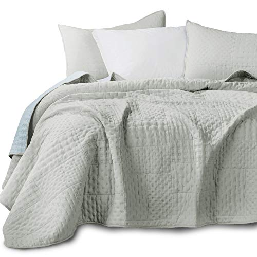 KASENTEX Quilted Coverlet 3-pc Mini Bedding Set - All Season Lightweight Ultra Soft Stone Washed Blanket - Heat-Pressed 2-Tone Reversible Color, Full/Queen + 2 Shams, Fairest Grey/Sky Blue