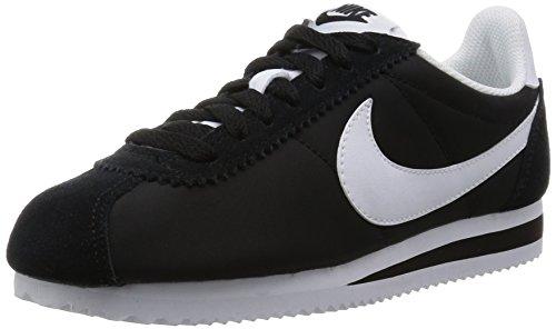 Nike Kvinna Klassiska Cortez Nylon Avslappnad Sko Svart / Vit