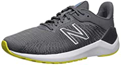 Take on your running routine with the 490v7. This do-anything men's running shoe from New Balance features melted TPU yarn for long haul durability. Underfoot, lightweight and responsive cushioning helps keep you comfortable mile after mile. ...