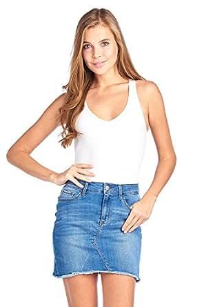 Khanomak Women's Sleeveless V Neck Solid Racer Back Snap Bottom Bodysuit (Medium, White)