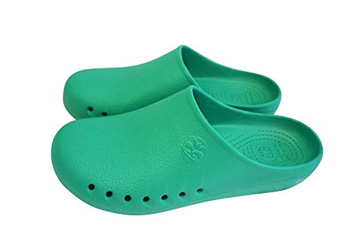 M&M Scrubs Men Comfort Slip Resistant Non marking Sole Nursing Clog 9 B(m) US Surgical Green by Natural Uniforms