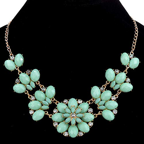 FidgetKute Women Vouge Multicolor Crystal Daisy Pendant Statement Ckoker Necklace Jewellery Light Green ()