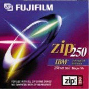 Fujifilm 2PK ZIP DATA CART 250MB-PC/MAC FMT W/ CLAMSHELL ( 25285002 )