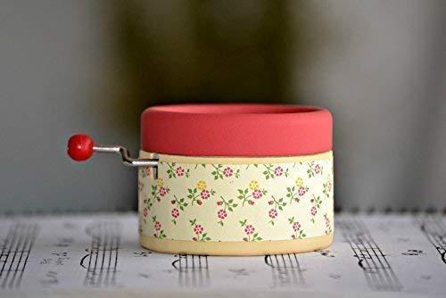 Caja de música manual artesanal con motivos nata y fresa con la ...