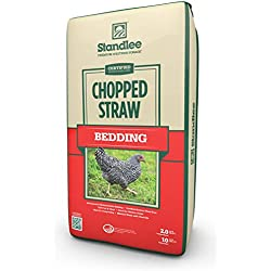 Standlee Hay Company Wheat or Barley Chopped Straw for Animal Bedding