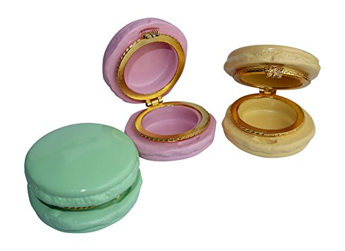 Set of 3 Ceramic Macaron Trinket Boxes - In 3 colors Strawberry, Pistachio & Lemon - Perfect Gift for macaron lovers - Used as Storage Box for Candies, Jewelry & Pill Case Container (Jewelry Pill Trinket Box)