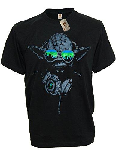 SODAtees DJ Yoda @ turntables Club Men's T-Shirt headphones Star Wars Music Green Shades