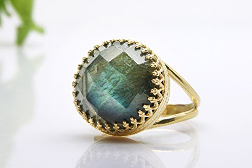 Labradorite ring,gold ring,flashy ring,14k yellow gold,statement ring,cocktail ring,gemstone ring 14k Yellow Gold Labradorite Ring