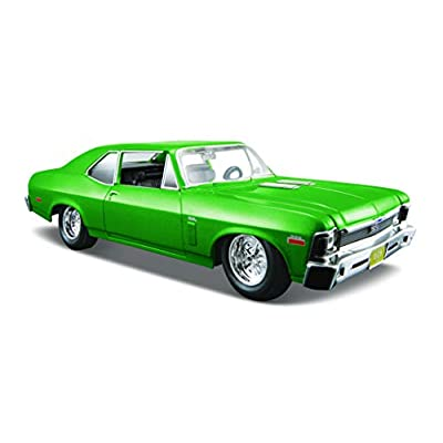 Maisto 1:24 Scale 1970 Chevrolet Nova SS Diecast Vehicle (Colors May Vary): Toys & Games
