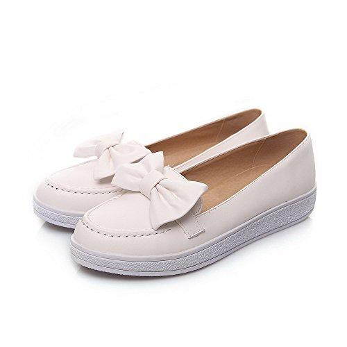 AllhqFashion Damen Ziehen auf PU Leder Rund Zehe Niedriger Absatz Rein Pumps Schuhe Weiß