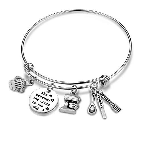CHOROY Baker Gift Baking Charm Bracelet She Believed She Could Wire Bangle Pastry Chef Gift for Her (Baker Bracelet)