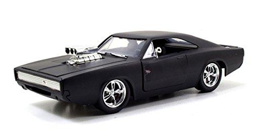 Jada Toys 97174 Doms 1970 Dodge Charger Model Car ()