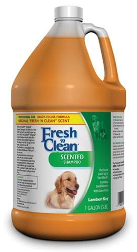 Lambert Kay Fresh'n Clean Scented Dog and Cat Shampoo, 1-Gallon by Fresh 'n Clean