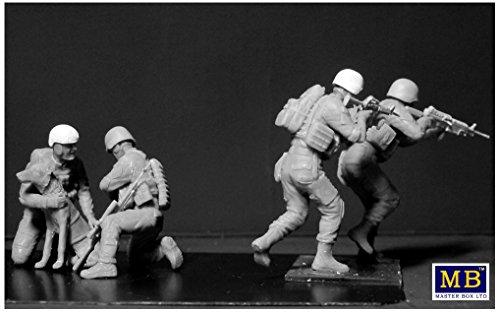 Masterbox 1//35 No Soldier left behind MWD Down # 35181