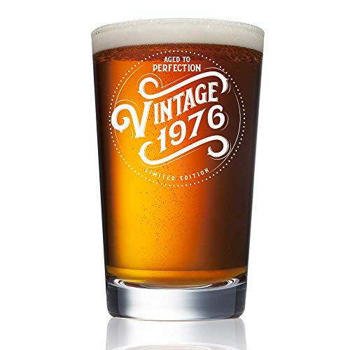 (1976 (43rd Birthday in 2019) Gifts for Men and Women Beer Glass - 16 oz Funny Vintage Pint Glasses for Decorations and Party Supplies - Gift Ideas for Dad, Mom,)