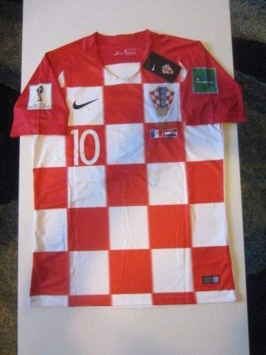 e662dbe031d Amazon.com : Dri-FIT Luka Modric #10 Croatia HNS Hrvatska 2018 World Cup  Large Home Jersey Patches Final Match Detail : Clothing