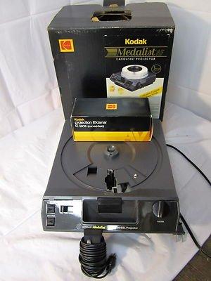 Kodak Medalist AF Carousel Projector with Ektanar C Projection Lens And Remote
