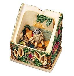 "Harmony Kingdom Picturesque Collection ""Byron's Hideaway"" Box Figurine"