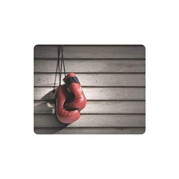 Rojo Realista Guantes de Boxeo en la Pared de Madera ...