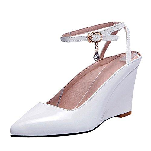 Carolbar Womens Ankelbandet Spetsig Tå Sexig Lack Kilar Sandaler Vit