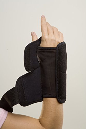 Mueller Sports Medicine Night Support Wrist Brace, Black, One Size Fits Most by Mueller (Image #1)