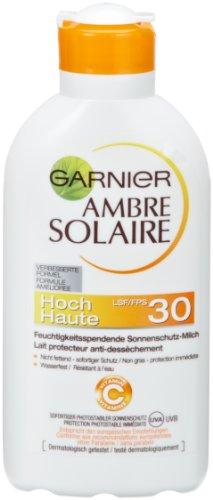 Garnier Ambre Solaire Sonnencreme / Feuchtigkeitsspendende Sonnenschutz-Milch / LSF 30, 3er Pack - 3 x 200 ml