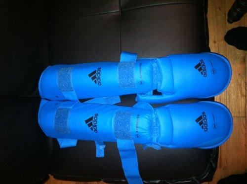 adidas Karate Schienbein-Spannschutz / Fuß Schoner rot, 2 Stück