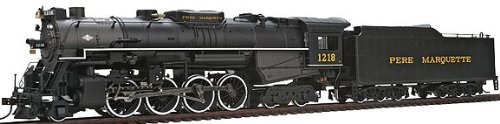 Bachmann Industries 2-8-4 Berkshire Steam Locomotive & Tender with Operating Headlight ()