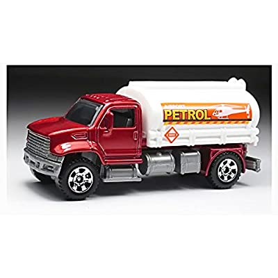 Matchbox 2012 70-120 Red & White Utility Tanker Mbx Construction: Toys & Games