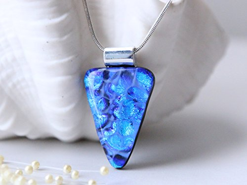 (Necklace Pendant, Fused Dichroic Glass Dichroic Purple Arrowhead 01280)