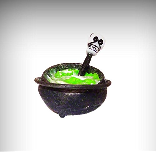 Cottage Cauldron (Dollhouse Halloween Witch Cauldron With Green Magic Potion and Skull Miniatures - My Mini Garden Dollhouse Accessories for Outdoor or House Decor)