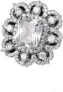 خاتم مجوهرات ملكي كبير الحجم مربع الشكل من الماس لون خاتم أرستقراطي كلاسيكي عتيق مرصع مضغوط