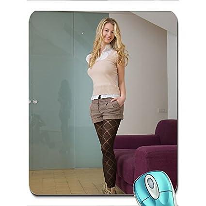 Medias Altos Enorme Femjoy Tacones Mujer Revista Sonriente Camisas Nyn0wOvm8P