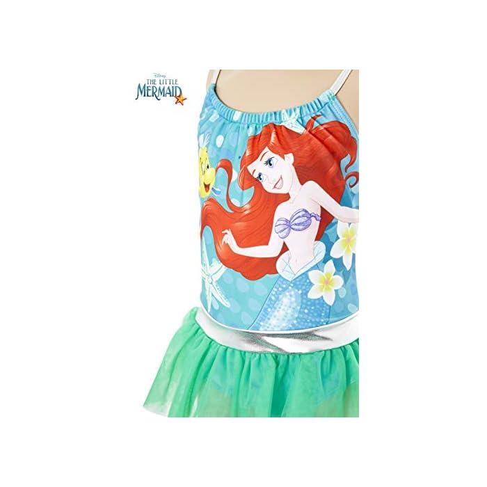41FSzKuuWqL ? TRAJE DE BAÑO DE LAS PRINCESAS DISNEY --- Estos bonitos trajes de baño de las princesas Disney nos presenta a los personajes más populares de las famosas películas: La sirenita Ariel, Cinderella, Jasmine, Rapunzel, Blancanieves, Pocahontas, Bella, Mulan, Tiana y Mérida. Nuestro traje de baño para niñas está disponible en 2 diseños diferentes y en una amplia gama de tallas. ? 2 DISEÑOS PARA ELEGIR --- Nuestros trajes de baño para niñas están disponibles en 2 diseños, cada uno con detalles con volantes y tirantes finos. Elige entre nuestro traje de baño de la sirenita Ariel en color verde esmeralda o nuestro traje de baño con todas las princesas Disney en color rosa. Mezcla de poliéster
