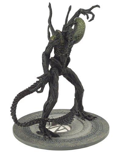 McFarlane Toys Alien VS. Predator Movie Action Figure Grid Alien