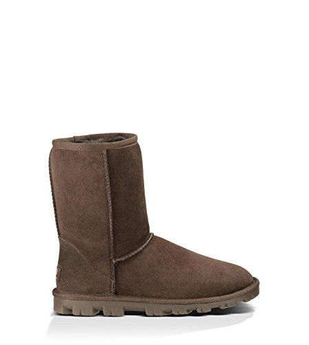 UGG Women's Essential Short Chocolate Boot 5 B - ()