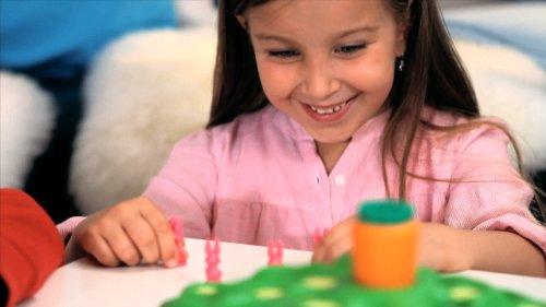 Ravensburger Lotti Karotti, Gesellschafts- und Familienspiel für Kinder und Erwachsene, Partyspiel für Kindergeburtstage, 2-4 Spieler, ab 4 Jahren 6