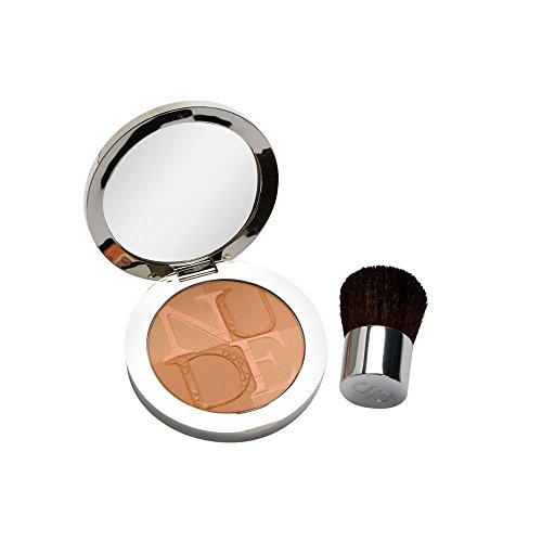 Christian Dior Skin Nude Tan Glow Enhancing Powder with Kabuki Brush, No. 001 Aurora, 0.35 Ounce Christian Dior Scrub