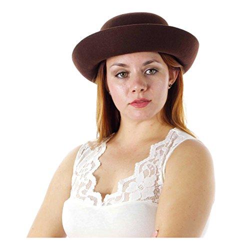 Charl (Charlie Chaplin Costume Lady)