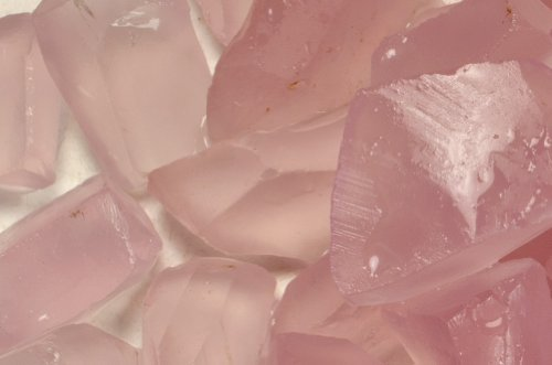 Fantasia Materials: 125 cts of Rose Quartz Professional Sawn Facet Rough - Raw Natural Crystals for Faceting, Cabbing, Cutting, Lapidary, Polishing, Wire Wrapping, Wicca and Reiki Crystal Healing