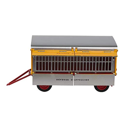 trailer of the cage of Hyena circus Pinder 1953 Truck ref: 10 + 14