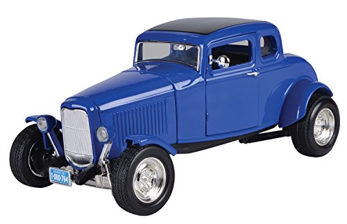 Motormax 1:18 Die-Cast 1932 Ford Coupe With Hood