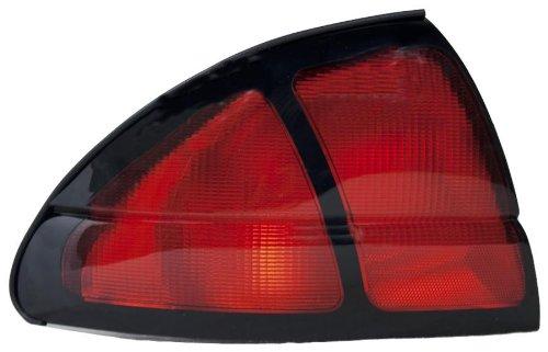 olet Lumina Driver Side Taillight Assembly (Partslink Number GM2800137) ()