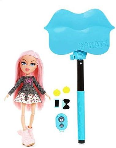 Bratz Selfie Stick with Doll- Cloe by Bratz