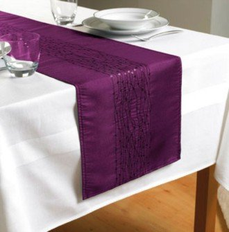 Attirant Embroidered Taffeta Table Runners   Plum