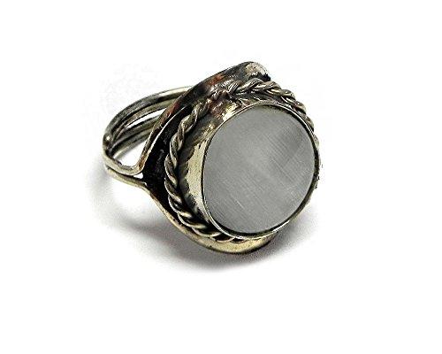 Small Round Cat's Eye Gemstone Ring (White) (Ring Cat Gemstone)